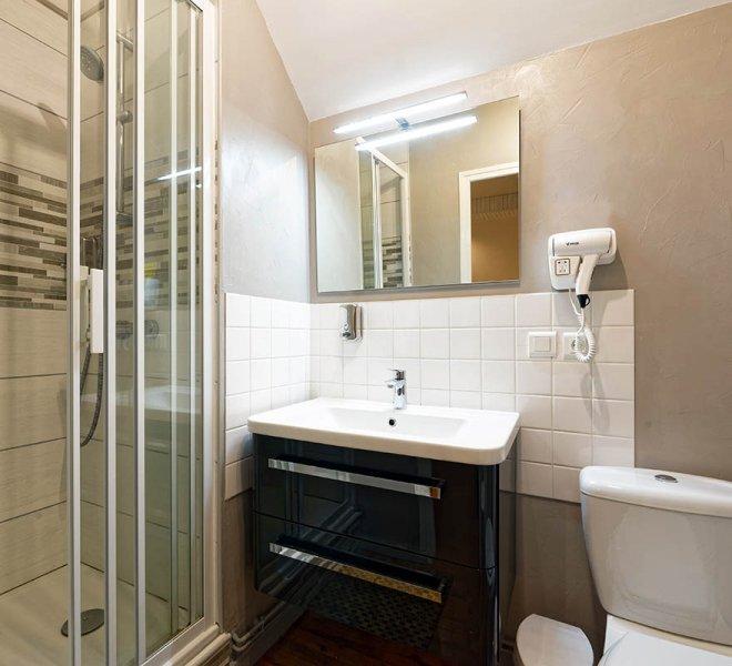 Sanitaire - Chambre d'Hôtes à Autun